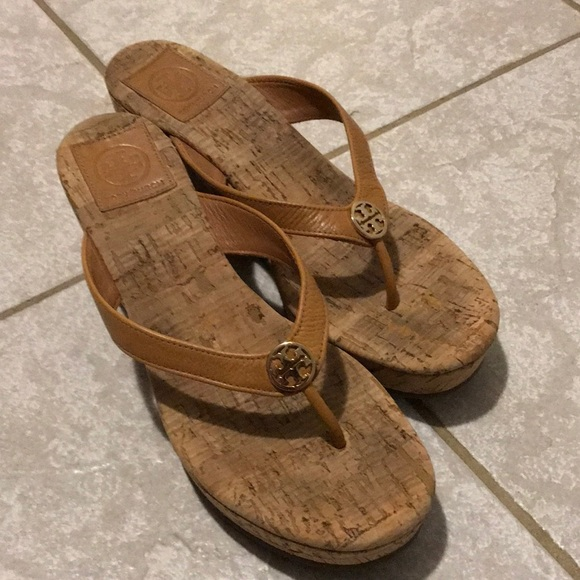 e3c5b1bfa5f1e Tory Burch Sandals. M 5bf8fde4409c150c48e16acd